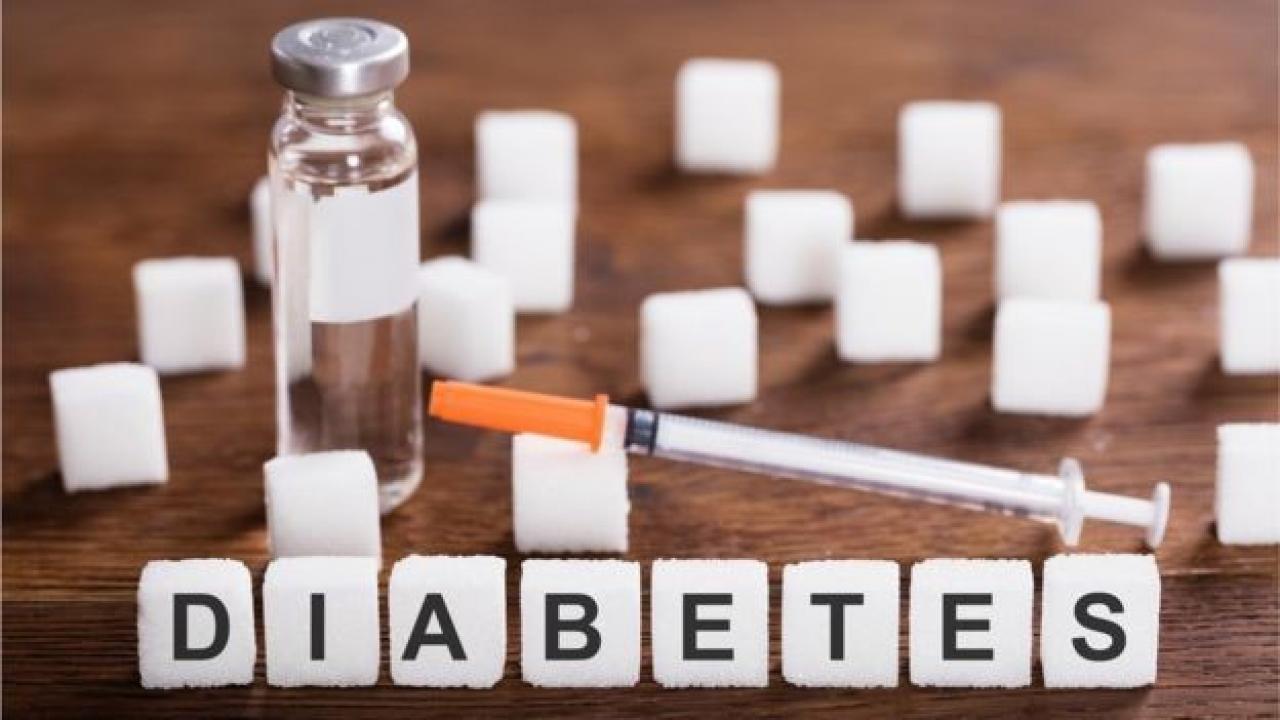 Доктор Комаровский рассказал, какие проблемы со здоровьем вызывает сахар