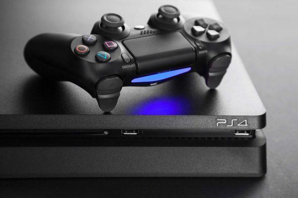 PlayStation 4 – новая консоль уже в продаже
