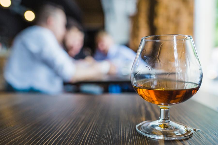 Названы виды рака, которые усугубляет алкоголь