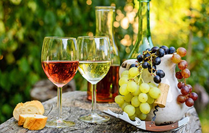 Названы продукты и напитки, которые нельзя совмещать с алкоголем