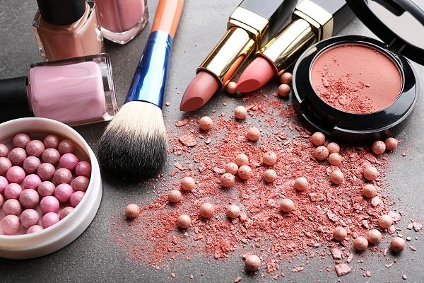 Качественная косметика – атрибут настоящей женщины