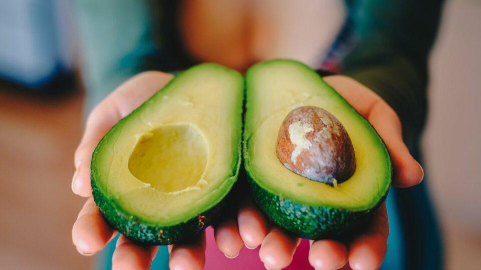Семь веских причин добавить авокадо в свой рацион