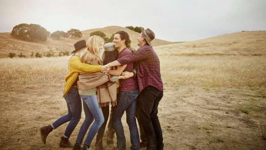 """Психологи назвали типы """"друзей"""" способных отравлять жизнь"""
