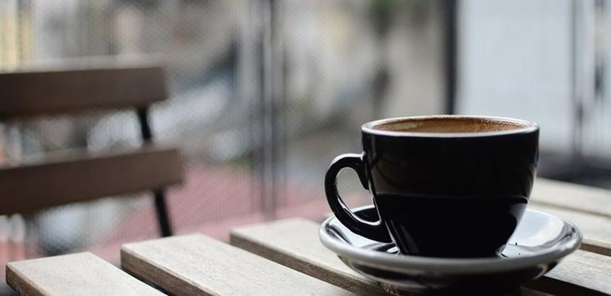 Диетологи объяснили связь между ожирением и злоупотреблением кофе