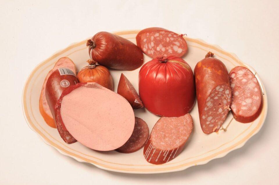 Диетологи рассказали, чем можно заменить бутерброды с колбасой