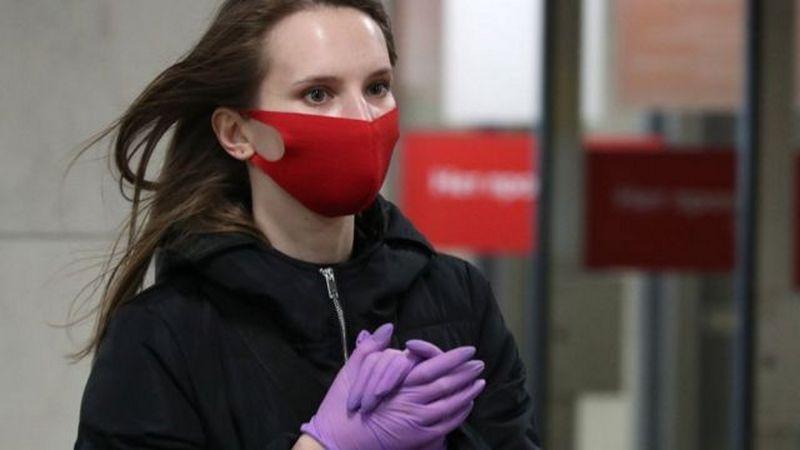 Ученые выяснили, сколько жизней спасает ношение маски во время пандемии