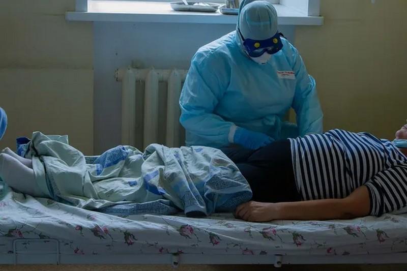 Медики назвали симптомы перехода коронавируса в затяжную форму