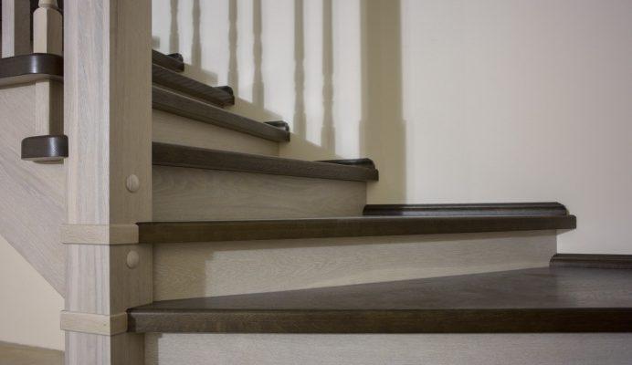 Ступени из дуба для лестницы