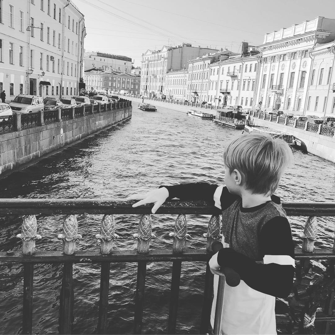 Редкий кадр: Елизавета Боярская показала подросшего сына