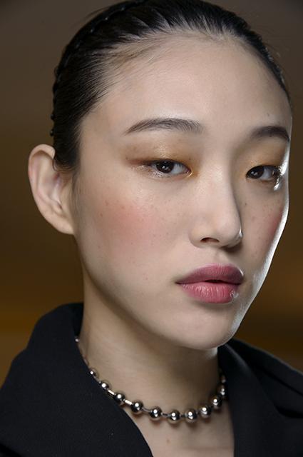 Самые актуальные тенденции в макияже этой осени