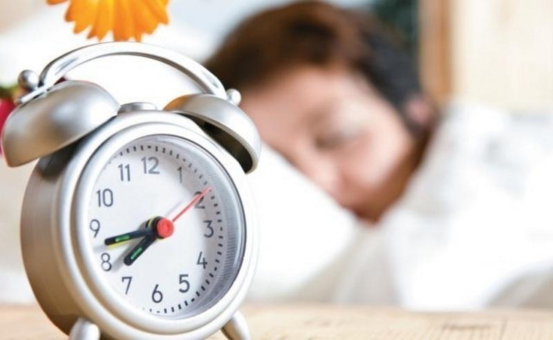 Врач рассказал о преимуществах отмены перевода часов