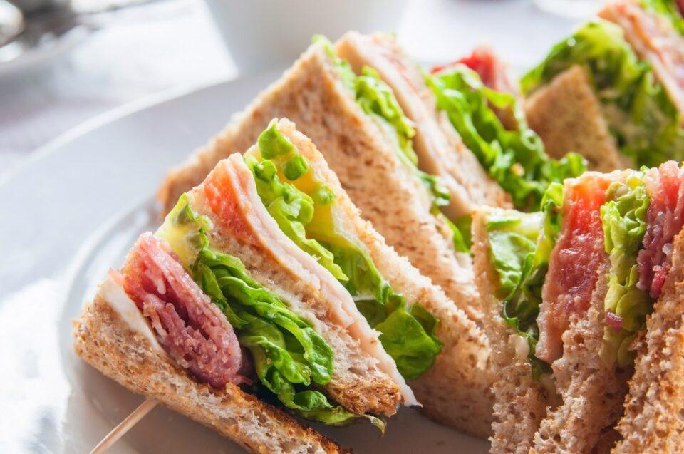 ТОП-8 полезных альтернатив колбасе на бутербродах