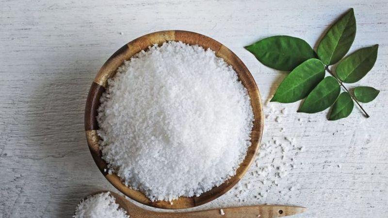 Названы симптомы избытка соли в организме