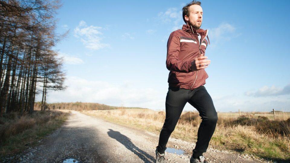 Медики рассказали, как заниматься спортом людям с высоким давлением