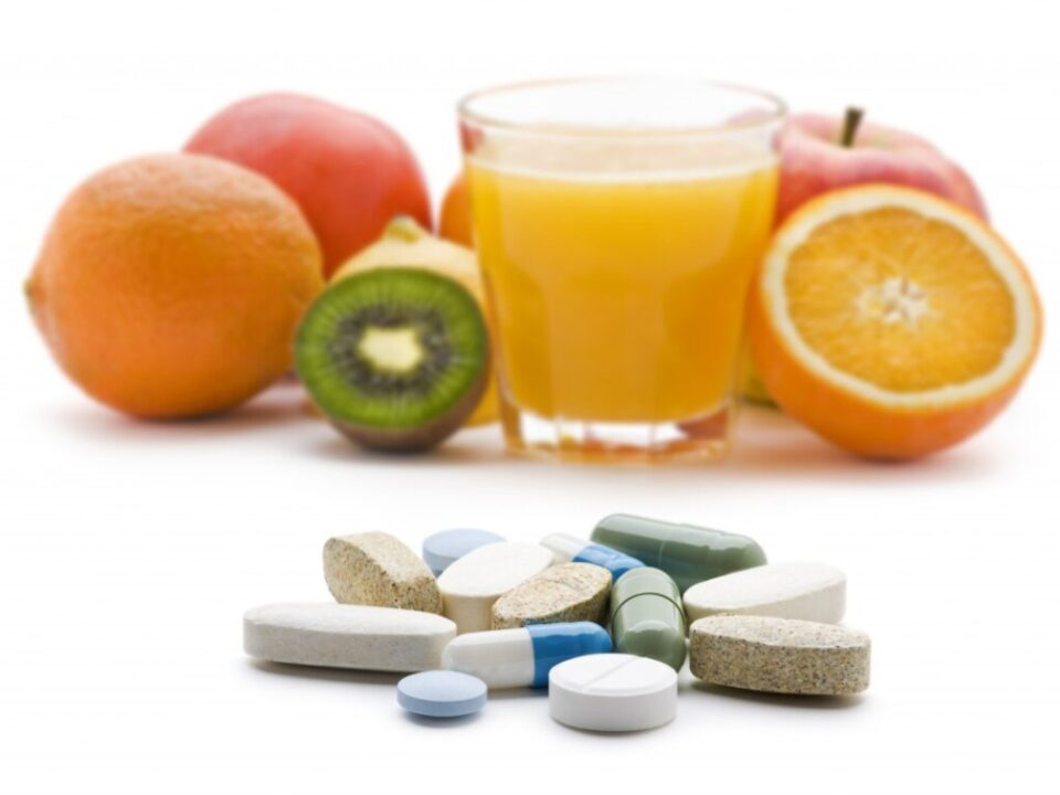 Медики рассказали, в каких витаминах нуждается организм осенью