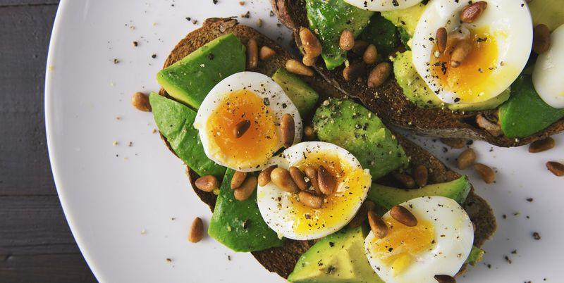 Ученые рассказали о пользе яиц для людей с лишним весом