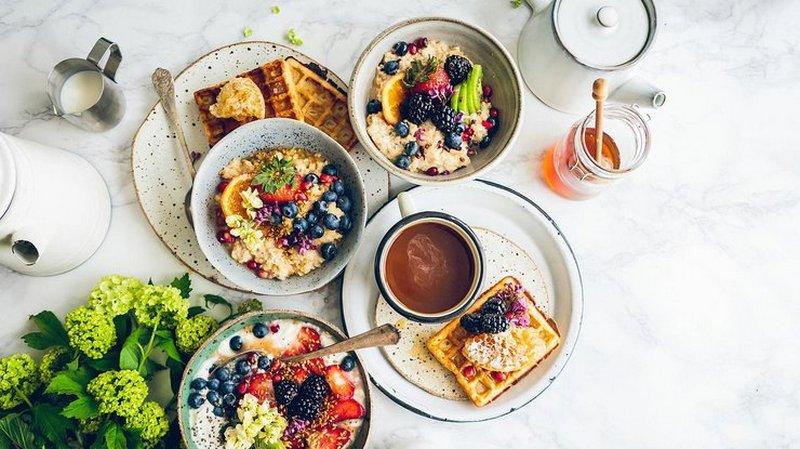 Названы продукты, которые могут навредить, если есть их на завтрак